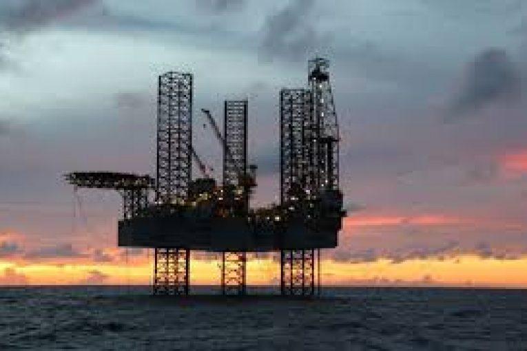 کاهش شمار دکلهای حفاری آمریکا با وجود رشد قیمت نفت offshore261 765x510