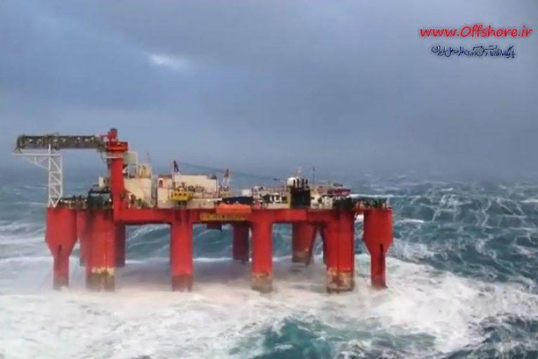 ریگ حفاری در مواجهه با امواج سهمگین دریای شمال offshore495 765x510