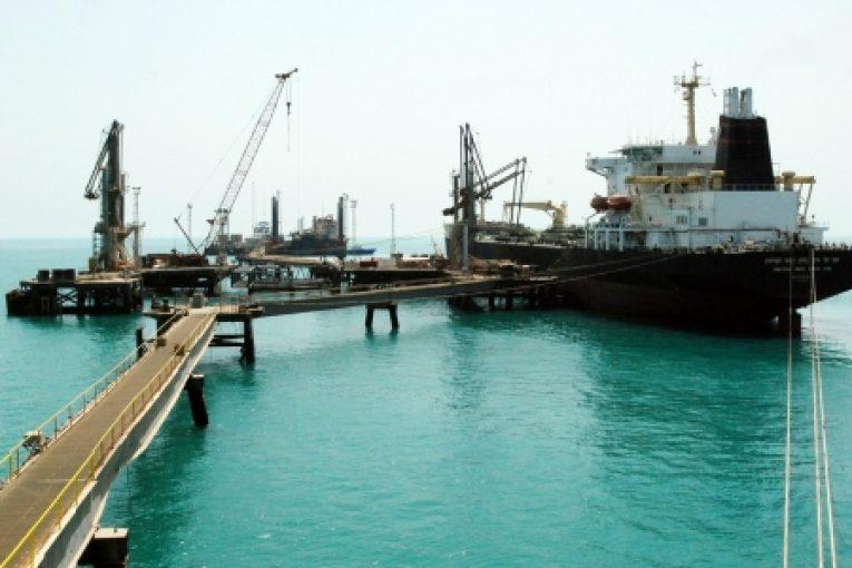 سوخت رسانی دریایی در خلیج فارس بررسی می شود offshore575 765x510