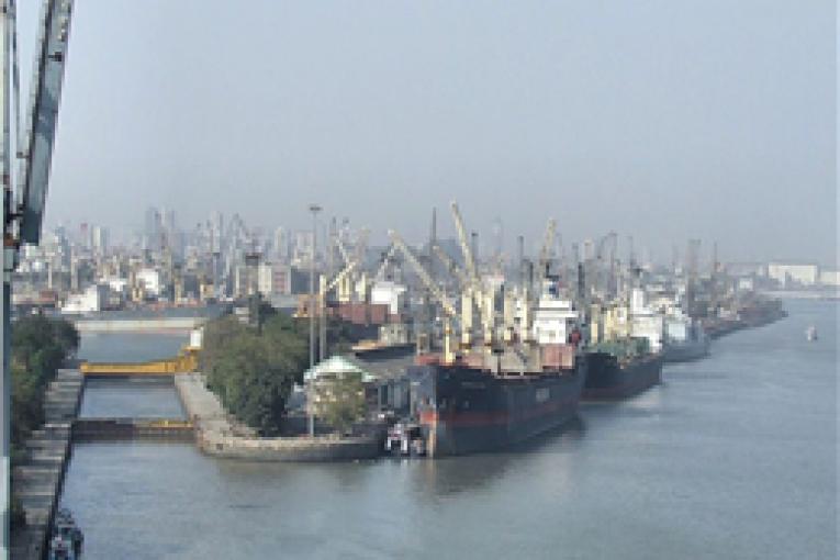 تجهیز بنادر هند به انرژیهای تجدیدپذیر offshore605 765x510