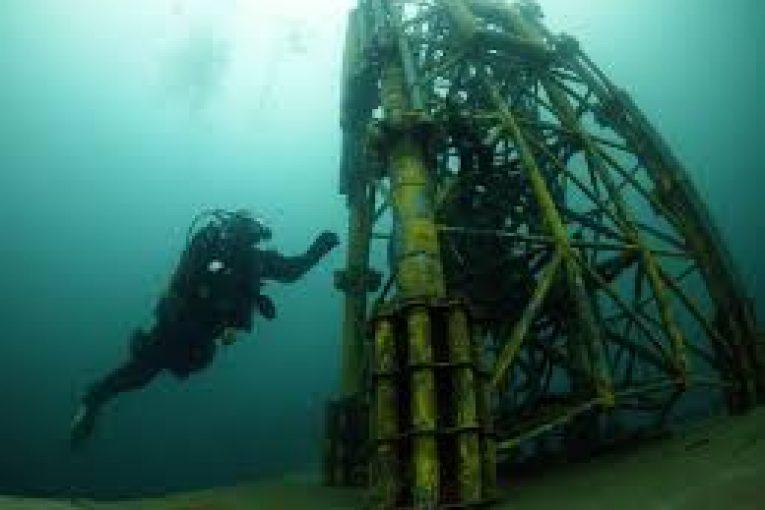سکوهای نفتی غواصي D.S.M.kمستقر در جزیره کیش ، سکوهای نفتی ، بنادر و اسکله ها 1 2 765x510