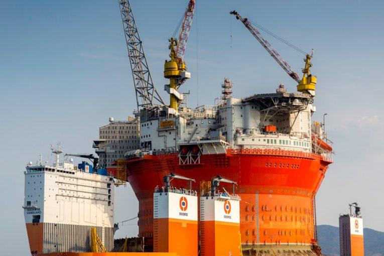 حمل سازههای سنگین انیمیشن بزرگترین شناور حمل سازههای سنگین دنیا 08 bGoliat float on 10 765x510