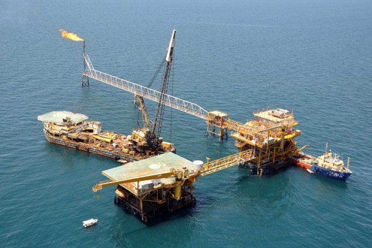 قرارداد نفتی تا پایان امسال  ١٠ میلیارد دلار قرارداد نفتی امضا می شود. DSC 0331 765x510