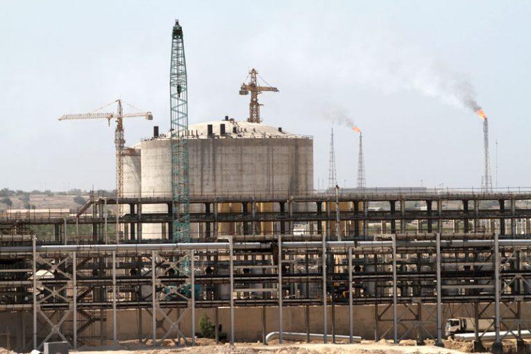 مزایده کارخانه NGL دعوت از سرمایهگذاران در بخش نفت و گاز برای حضور در مزایده کارخانه NGL خارگ offshore098 765x510