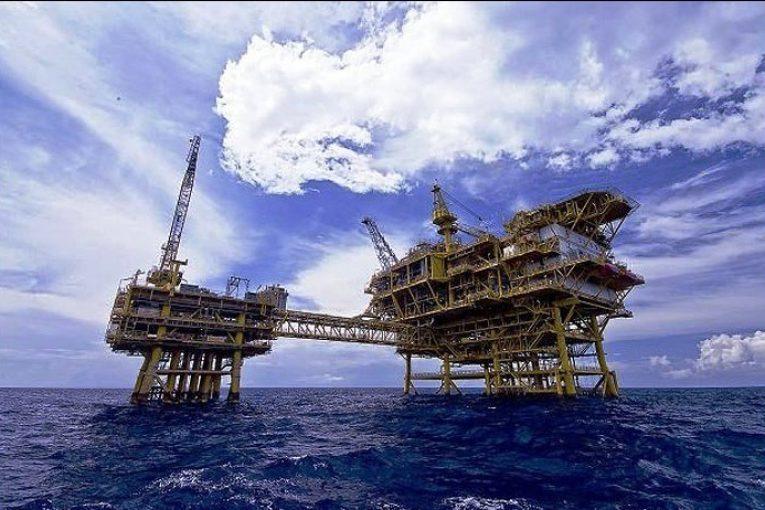 صنعت نفت صنعت نفت پس از توافق اوپک رو به بهبود میرود 220127 orig 765x510
