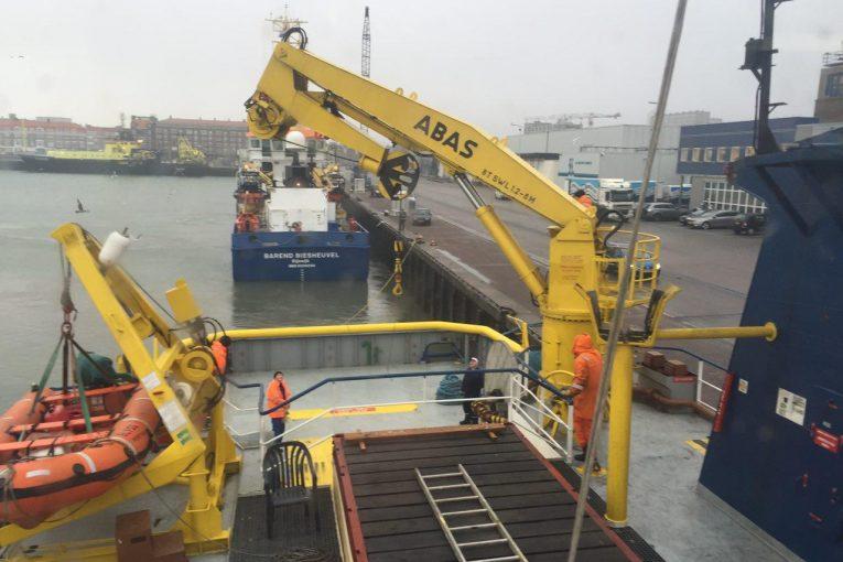 فروش جرثقیل 10تنی جرثقیل 10 تنی فروش جرثقیل 10 تنی کشتی offshore13 765x510