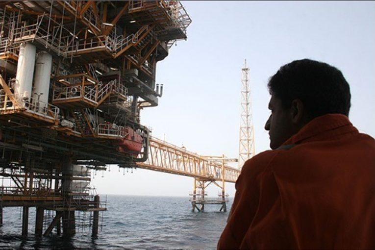 کارکنان اقماری روان شناسی کار چند نگاه و راهکار در رفع مشکلات کارکنان اقماری صنعت نفت aghmari01 765x510