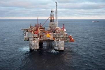 توسعه میدان مشترک نفتی با عمان/ آغاز ساخت ۳ سکوی نفتی جدید