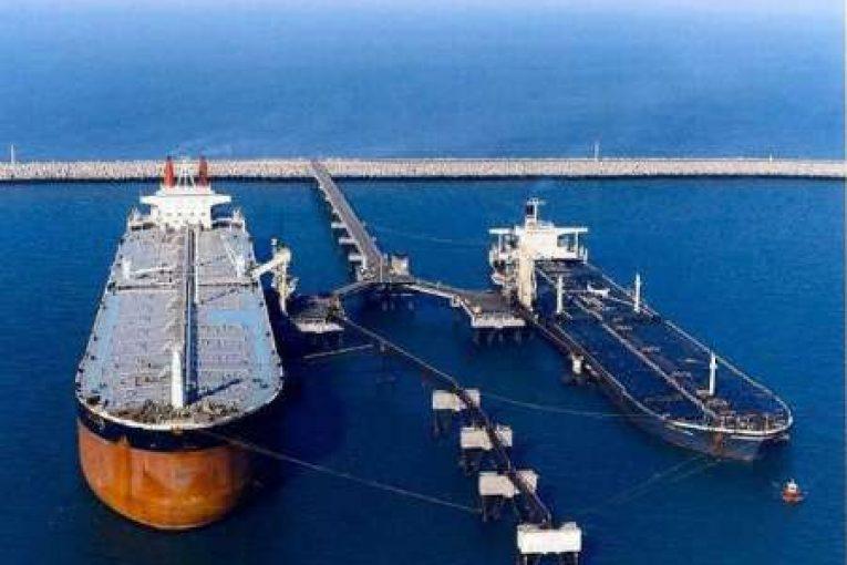 پایانه نفتی خارگ بارگیری همزمان ۸ نفتکش در پایانه نفتی خارگ offshore390 765x510