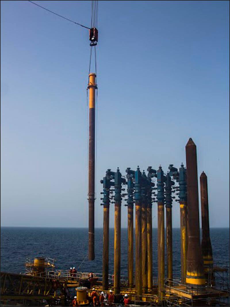 offshore582 copy فاز 21 پارس جنوبی گزارش تصويری از عمليات نصب سكوي فاز 21 offshore582 copy