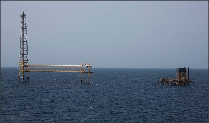 offshore583 copy فاز 21 پارس جنوبی گزارش تصويری از عمليات نصب سكوي فاز 21 offshore583 copy