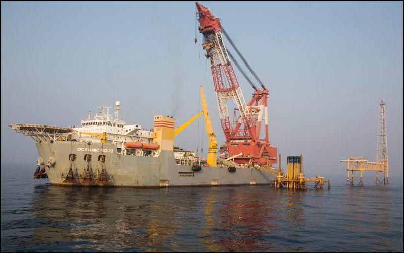 offshore584 فاز 21 پارس جنوبی گزارش تصويری از عمليات نصب سكوي فاز 21 offshore584