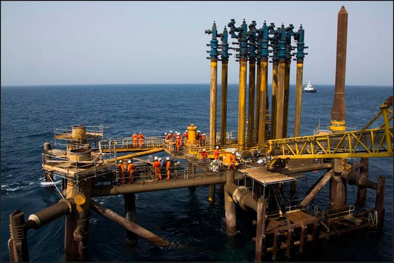 offshore585 copy فاز 21 پارس جنوبی گزارش تصويری از عمليات نصب سكوي فاز 21 offshore585 copy