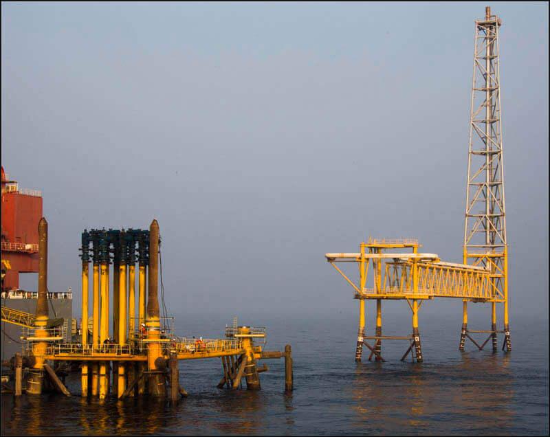 offshore587 copy فاز 21 پارس جنوبی گزارش تصويری از عمليات نصب سكوي فاز 21 offshore587 copy