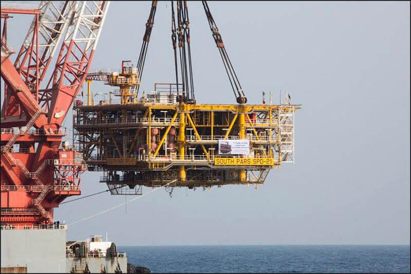 offshore589 copy فاز 21 پارس جنوبی گزارش تصويری از عمليات نصب سكوي فاز 21 offshore589 copy