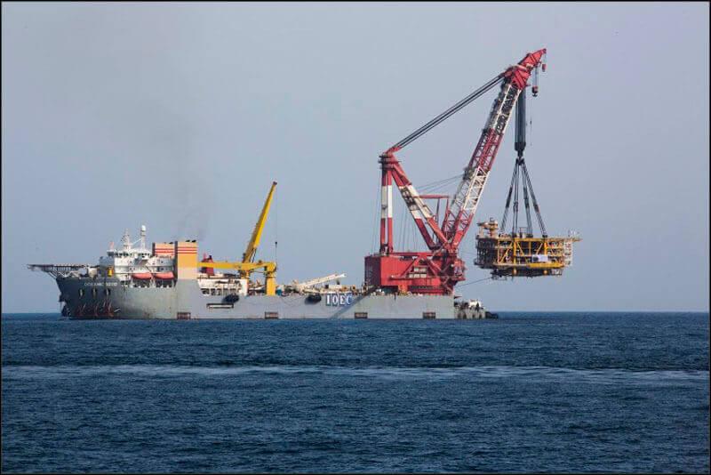offshore590 copy فاز 21 پارس جنوبی گزارش تصويری از عمليات نصب سكوي فاز 21 offshore590 copy