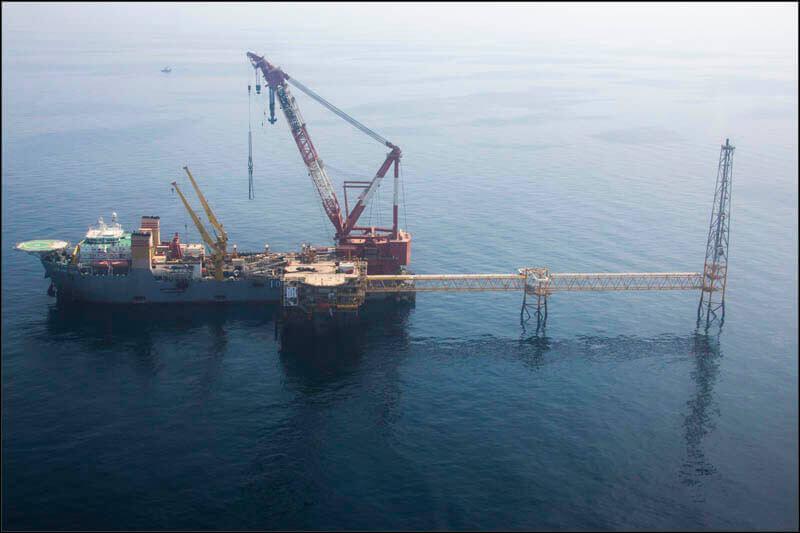 offshore593 copy فاز 21 پارس جنوبی گزارش تصويری از عمليات نصب سكوي فاز 21 offshore593 copy