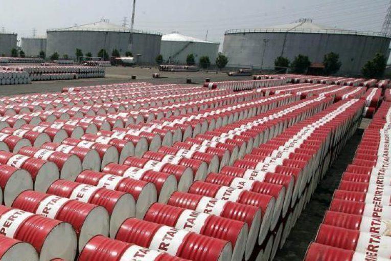 فروش نفت رقابت برای فروش نفت بیشتر به پالایشگران چینی naft87 765x510