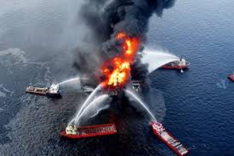 سکوی دیپ واتر هوریزون فیلم کمیاب از غرق شدن سکوی دیپ واتر هوریزون images 765x510