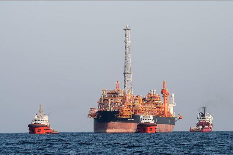 استقرار نخستین شناور پالایشگاهی شناور پالایشگاهی آغاز عملیات استقرار نخستین شناور پالایشگاهی در خلیج فارس offshore 765x510
