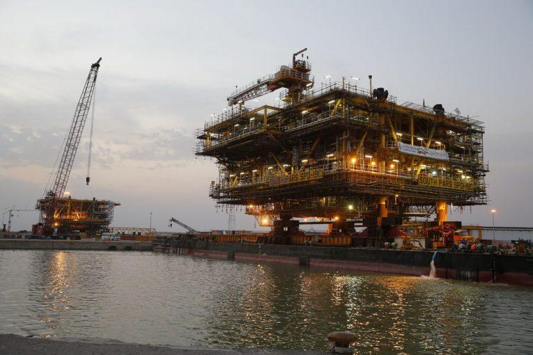 پارس جنوبی پارس جنوبی ١١ فاز پارس جنوبی در دولت یازدهم وارد مدار تولید میشود offshore22 765x510